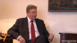Շտեֆան Ֆյուլեն հանդիպել է կառավարության և արտաքին գերատեսչության ղեկավարների հետ
