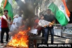 Антикитайская демонстрация в индийском Кашмире. 18 июня 2020 года