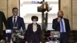 Във вторник президентът Румен Радев връчва първия мандат за съставяне на правителство на партията с най-много депутати - ГЕРБ. На снимката: Даниел Митов, Десислава Атанасова и Томислав Дончев
