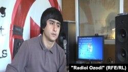 Рамазон Муродов бо тахаллуси Ралики репсаро шаш сол аст, ки ҳунарнамоӣ мекунад