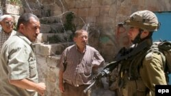 ديوان عالی قضایی اسراییل حکم داده که آبادی نشين ها بايد اماکن اشغالی را ترک کنند.