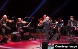 Psoy Korolenko și orchestra orchestra (Foto: Roman Boldyrev/Sixdegreesrecords.com)