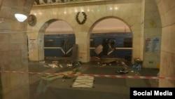 После взрыва в метро Санкт-Петербурга.