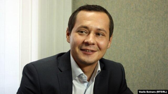 Ruslan Codreanu la discuția cu Vasile Botnaru