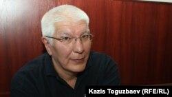 Ratel.kz сайтының бұрынғы бас редакторы Марат Асипов сотта отыр. Алматы, 13 тамыз 2018 жыл.