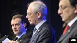 Брюссель: Дмитро Медведєв, Герман ван Ромпей, Жозе Мануель Баррозу, 15 грудня 2011 року