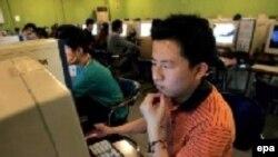 Самые высокие темпы роста по числу пользователей интернета сегодня зарегистрированы в Китае. Здесь уже более 130 миллионов пользователей.