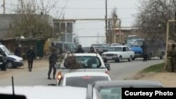 Nardaran, Baku, 29 november, police patrol on roads