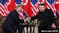 A doua întâlnire dintre președintele Statelor Unite Donald Trump și liderul nord-coreean Kim Jong Un. Hanoi, 27 februarie 2019