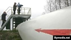 На нафтаперапамповачнай станцыі прадпрыемства «Гомельтранснафта Дружба», якое забясьпечвае пастаўку нафты з Расеі ва Ўкраіну і краіны Эўразьвязу, архіўнае фота