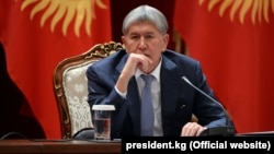 Outgoing Kyrgyz President Almazbek Atambaev (file photo)