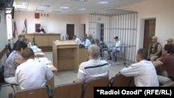 Pamje nga gjykimi i dy ushtarëve rusë në Dushanbe