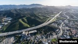 Пригород Лос-Анджелеса. Иллюстративное фото.