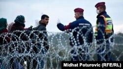 Migrantët në kufirin hungarez, tetor 2015