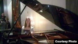 Христина Велјаноска, пијанистка.