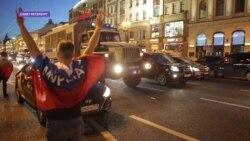 Футбольные фанаты отбили болельщика-правонарушителя у полицейских в Петербурге