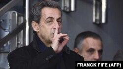 Президенти пешини Фаронса Николя Саркозӣ