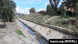 Речка Булганак в районе оптового рынка в Керчи, Крым, 2 сентября 2021 года