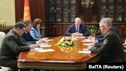 Բելառուսի նախագահ Ալեքսանդր Լուկաշենկոն նախագահում է Անվտանգության խորհրդի նիստը, Մինսկ, 29-ը հուլիսի, 2020թ.
