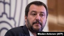 Zëvendëskryeministri i Italisë, Matteo Salvini, nga partia Liga e krahut të djathtë.