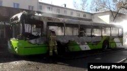 2013 йилнинг 15 мартида ёнган автобуслардан бири.