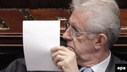 Италияның премьер-министрі Марио Монти парламентте отыр. Рим, 18 қараша 2011 жыл.