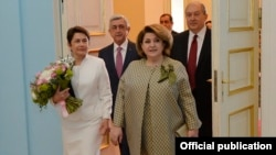 Armenia - Armenia's outgoing and incoming presidents and their wives meet in Yerevan, 9 April 2018.