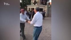Киргизький спецназ штурмує будинок експрезидента країни Атамбаєва – відео