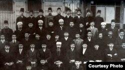 Истанбулда белем алучы татар шәкертләре, 1910