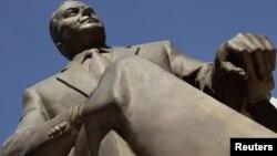 Meksikanın paytaxtında Heydər Əliyevin bürünc heykəli. 3 oktyabr 2012