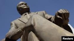 Heydər Əliyevin Meksika paytaxtındakı heykəli