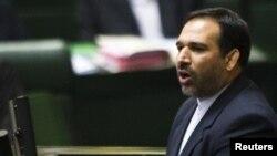 شمس الدین حسینی، وزیر امور اقتصاد و دارایی ایران، روز یکشنبه در نشست غیر علنی مجلس به ارائه توضیحاتی پیرامون دلایل بحران اخیر در بازار ارز و سکه پرداخت.