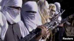 Pakistan Taliban fighters (file photo)