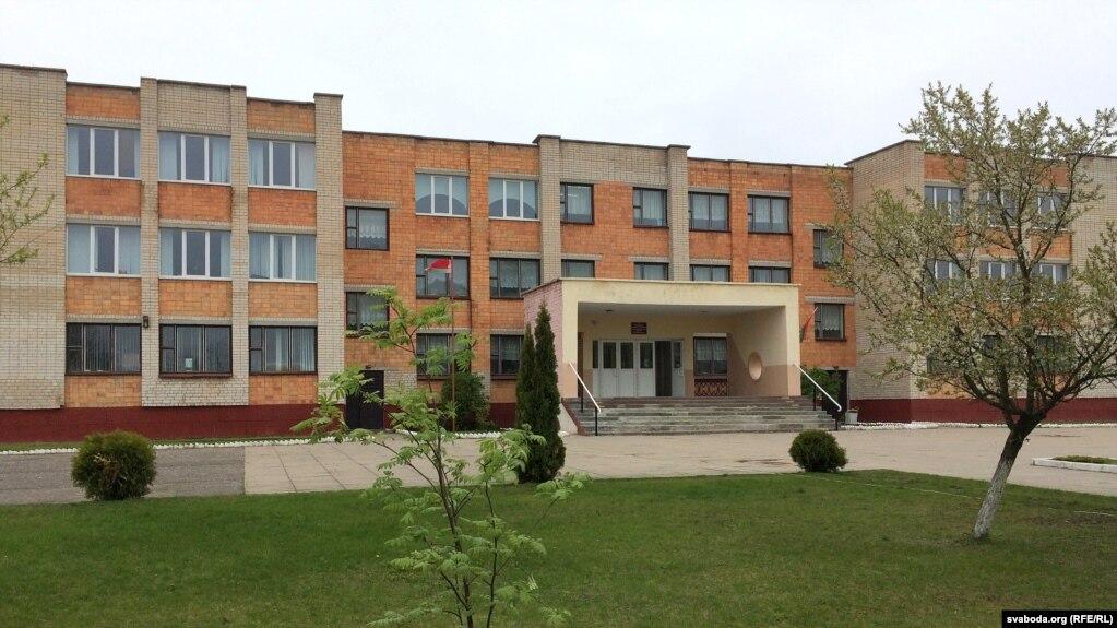 Адзіная наБерасьцейскім Палесьсі гарадзкая беларускамоўная школа