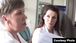 Елена Корнева во время профсоюзной проверки в онкодиспансере