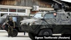 Kumanowo, ýaragly adamlara garşy operasiýa geçirilýär. 9-njy maý, 2015