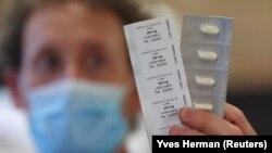 ВООЗ тимчасово припинила клінічні випробування гідроксихлорохіну