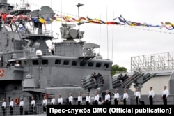 Моряки вишикувались на фрегаті на честь Дня ВМС України, 1 липня 2018 року