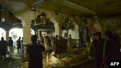 Шиитская мечеть в Герате, подвергшаяся атаке. 1 августа 2017 года.