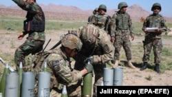 آرشیف، آموزش نیروهای امنیتی افغانستان توسط نیروهای ناتو