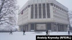 Снегопад в Симферополе. Архивное фото