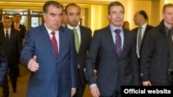 NATO Secretary-General Anders Fogh Rasmussen (right) welcomes Tajik President Emomali Rahmon in Brussels.