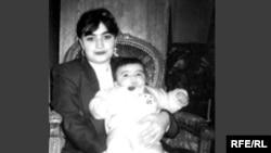 Faina Kunqurova və qızı