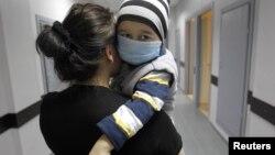 В этом году в стране зафиксирован серьезный рост случаев заболевания корью, в целях предотвращения эпидемии с начала апреля идет бесплатная вакцинация