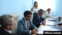 Делегація з Греції на чолі з мером м. Коринф Александросом Пневматікусом у Севастополі, 18 вересня 2015 року