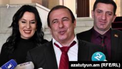Гагик Царукян (в центре), 3 марта 2020 г.