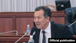 Акыйкатчы Бакыт Аманбаев парламентте, 3-октябрь, 2013.