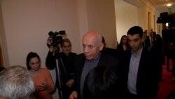 Էրեբունու նախկին թաղապետ Մհեր Սեդրակյանը ստորագրություն է տվել չհեռանալու մասին