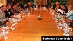 Представители Украины, России и ЕС на встрече в Брюсселе, 9 июня, 2014.