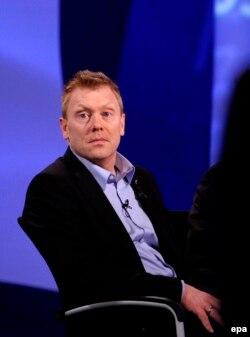 Йон Ґнарр як лідер новозаснованої тоді Найкращої партії (Besti Flokkurinn), під час теледебатів у Рейк'явіку. 29 травня 2010 року